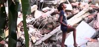 Screenshot-14-Naomy-among-the-rubble-620x264